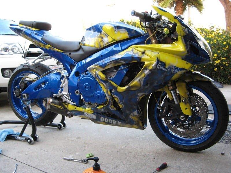 ¿Stunt las modificaciones que se debe hacer en una moto?