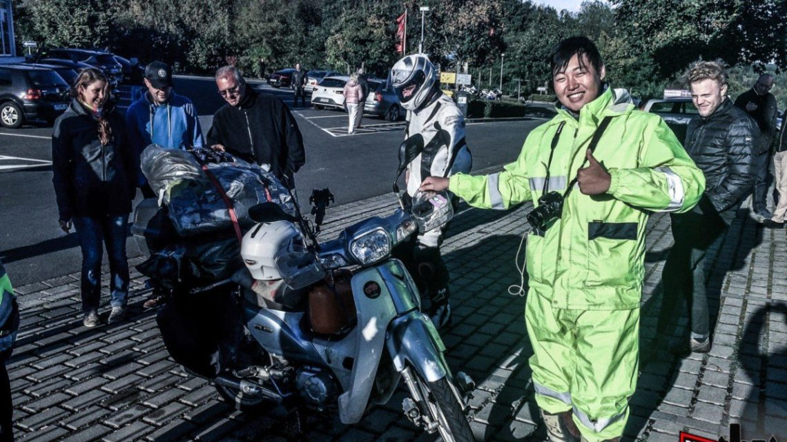 Coreano viaja 18.000 km no creeras en que moto lo hizo!!!
