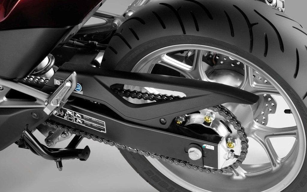 Cómo encontrar la talla de la cadena de tu motocicleta