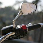 Mantenimiento para los espejos de una moto