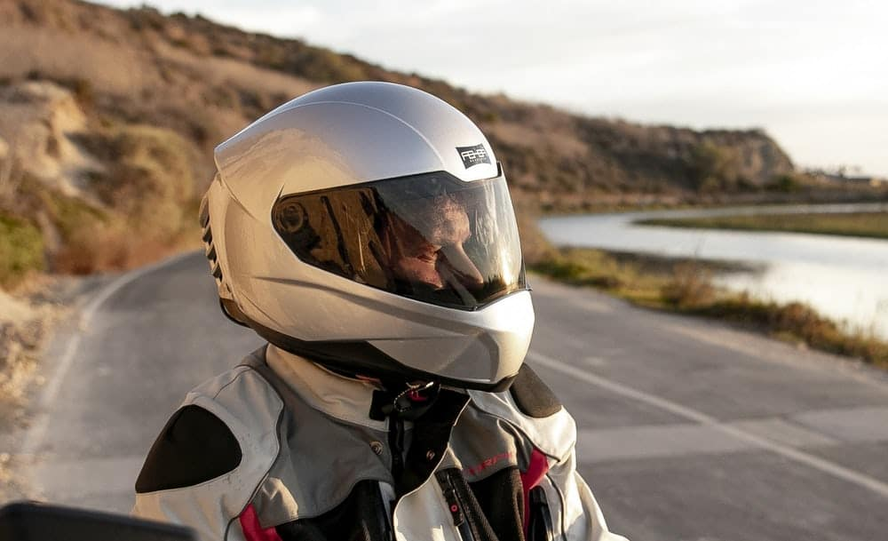 Feher ACH-1: El casco con aire acondicionado