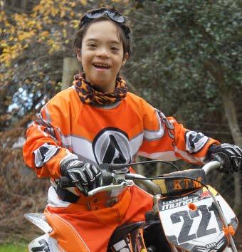 Luciano un chico especial en el motocross