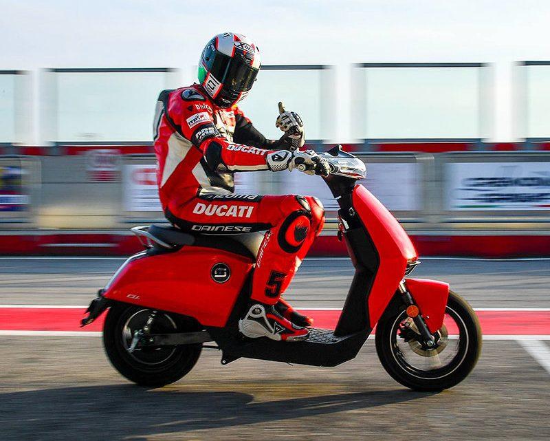 El scooter eléctrico de fabricación china de Ducati.