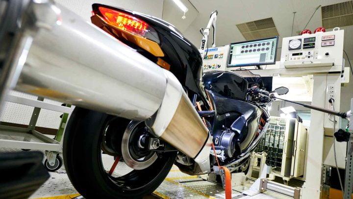 Cambios impulsados por las emisiones en el Suzuki Hayabusa 2022