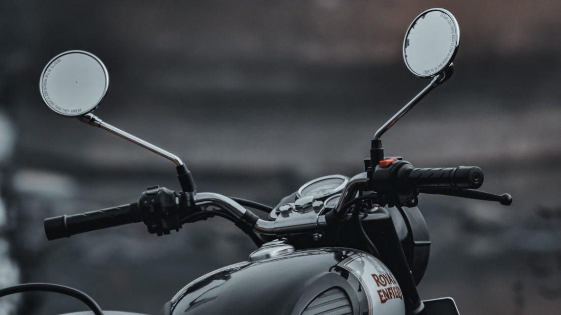 ¿Debería cambiar los espejos de su motocicleta?