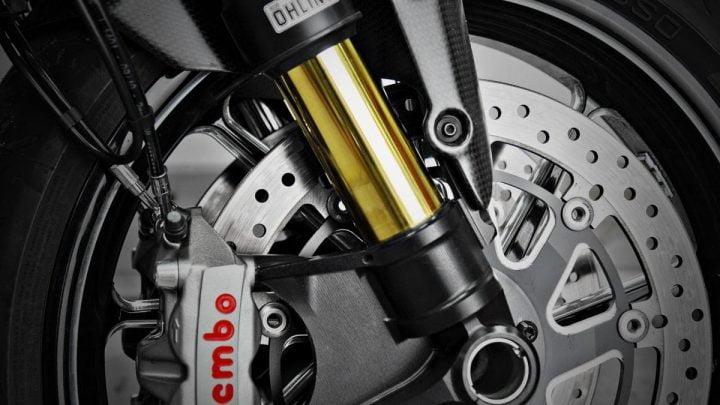 ¿Su moto se beneficiaría de una horquilla invertida?