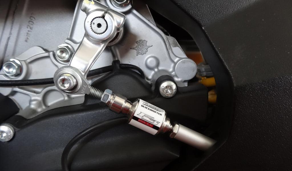 ¿Necesita su moto un Quickshifter?